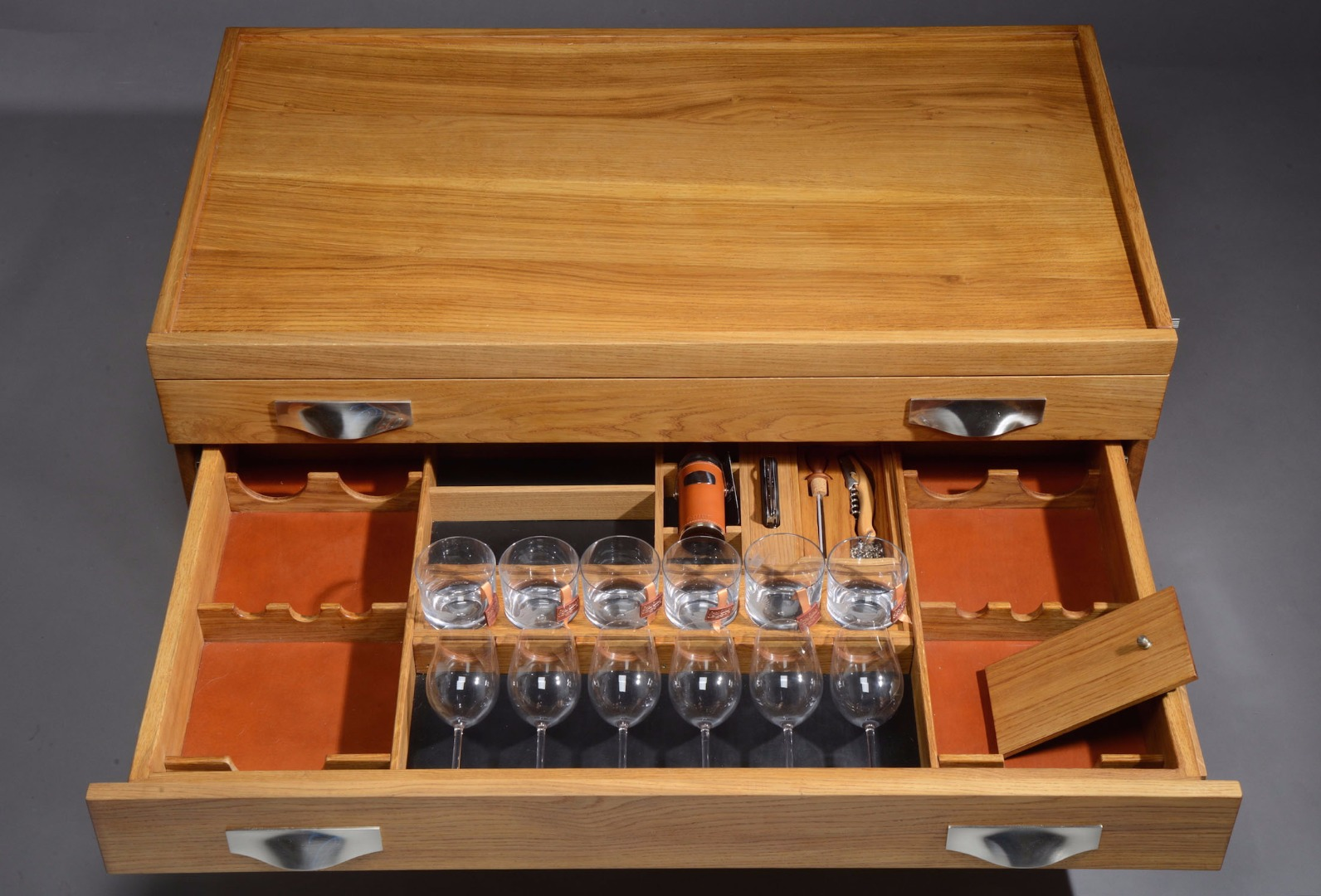 Parkinson Chest Middle Drawer