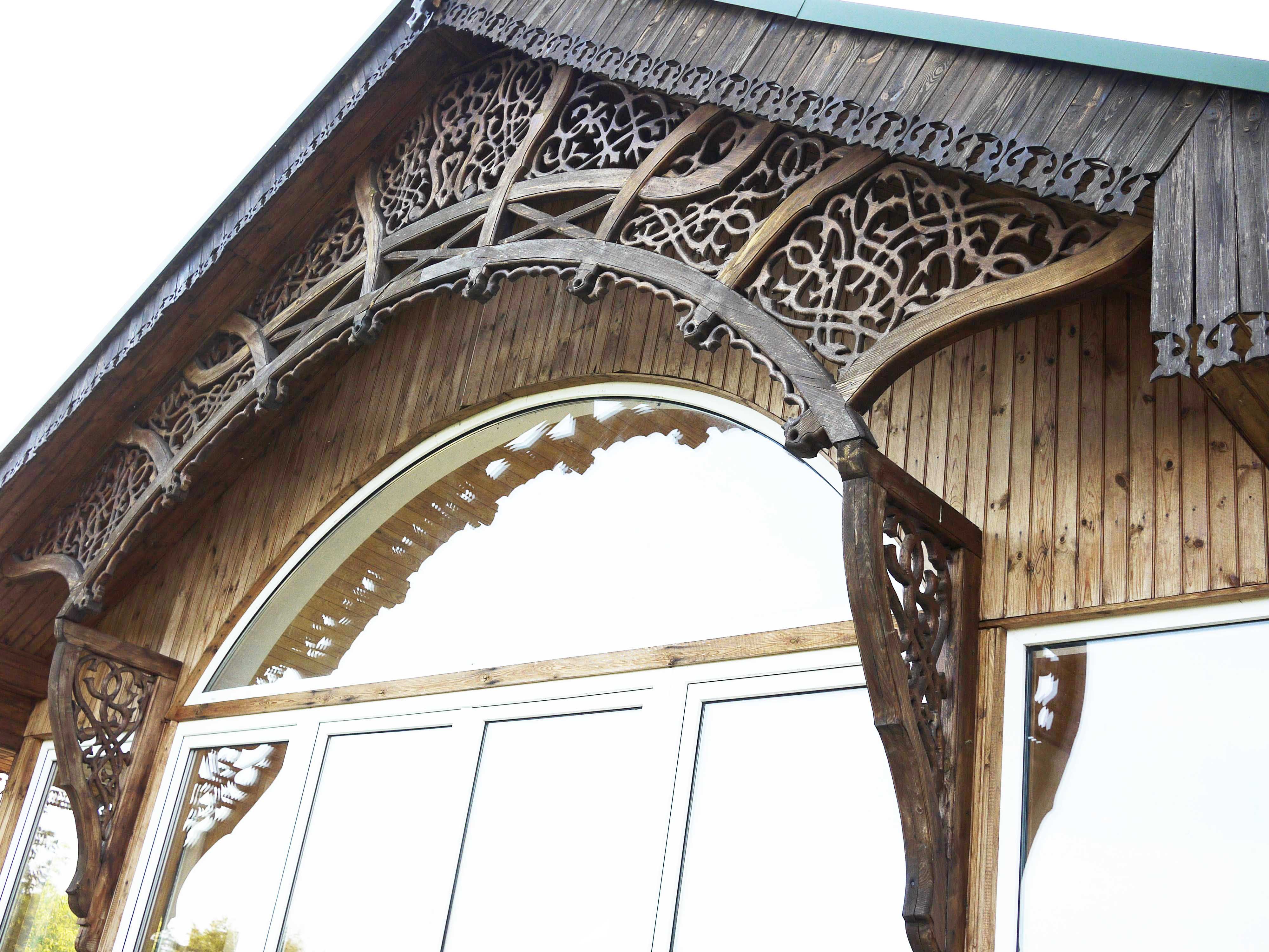 Outside Carving Roof
